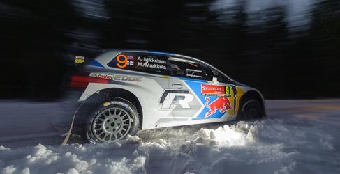 Andreas Mikkelsen primer líder del Rally de Suecia