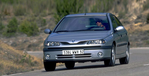 Estudiamos el restyling de la primera generación del Renault Laguna