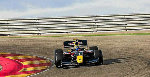 Roberto Merhi y Carlos Sainz Jr estarán en los test de Jerez